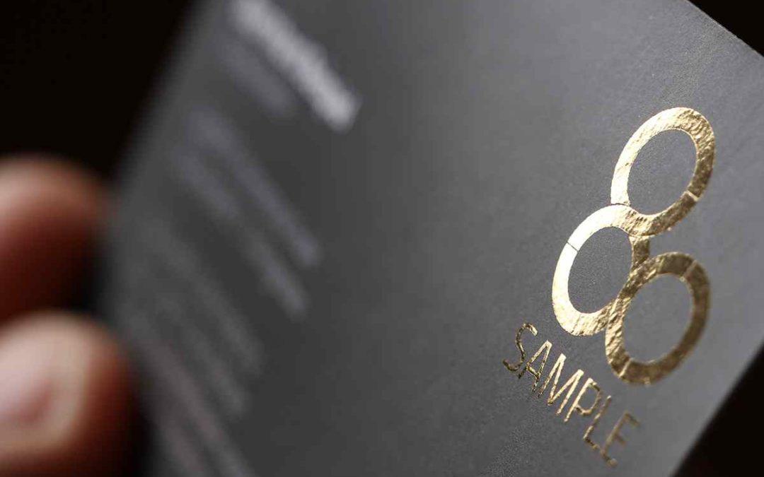 Gold- und Silberfolie auf Visitenkarten – jetzt auch ohne teures Prägeklischee