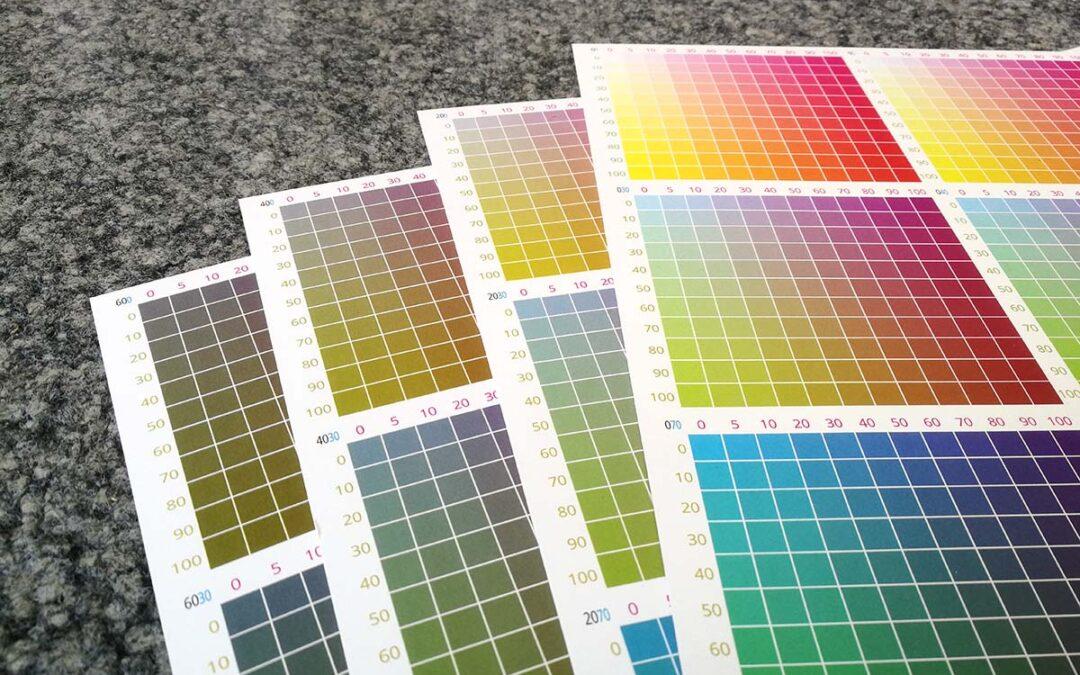 Punktgenau zur Wunschfarbe: Andrucke auf Originalpapier geben Sicherheit
